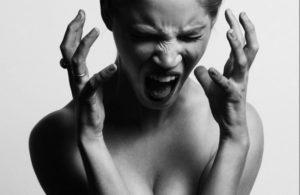 Расстройства психики также могут быть причиной алкогольной депрессии