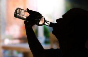Калории, содержащиеся в алкоголе, пусты и не приносят организму никакой пользы