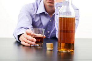 Употребление крепкого алкоголя допускается по истечении 2 суток после операции