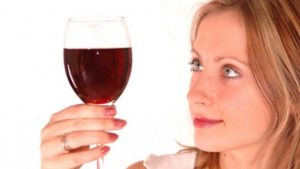Лишь натуральное красное вино способно нормализовать работу сердца и сосудов, а также ЖКТ