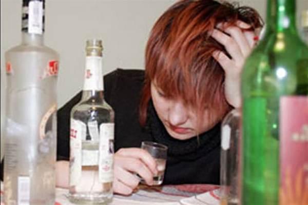 Как избавиться женщине от алкоголизма