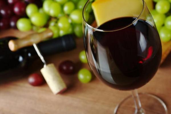 Повышает ли красное сухое вино артериальное давление