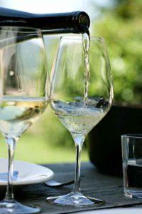 В алкогольных напитках содержится много сахара, что может навредить больным сахарным диабетом