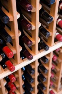 Производства вина включает в себя несколько этапов