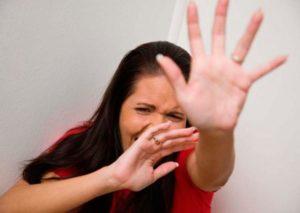 При классическом галлюцинозе нередко возникают приступы паники