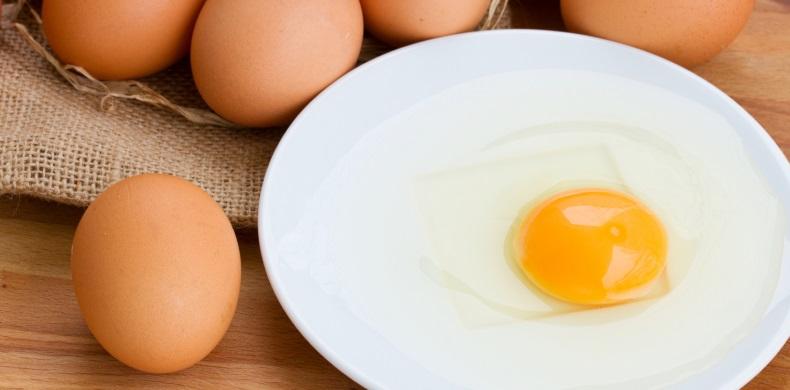 Употребление сырых яиц
