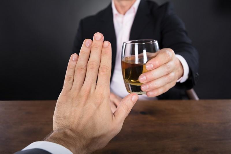 Алкоголь и мышьяк в зубе